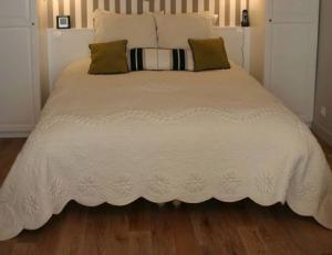 very small bedroom